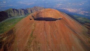Il Vesuvio? Si solleva di 4 millimetri all'anno