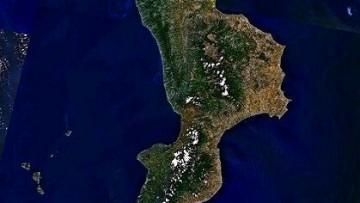 La Calabria? Un puzzle di blocchi di crosta