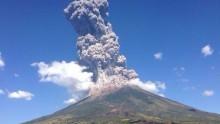 I tecnici Ingv per il vulcano Chaparrastique