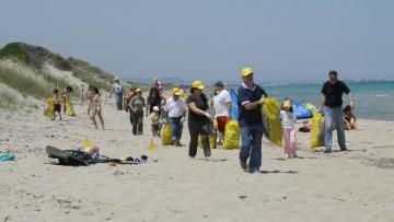Spiagge italiane 'invase' dalla plastica