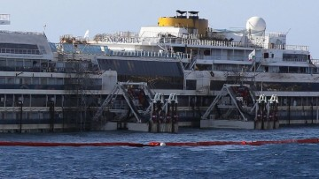Costa Concordia, presentato il progetto per il trasferimento