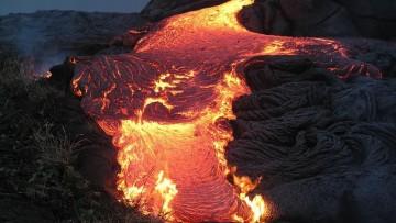 Magma: gli zirconi rivelano eta', volume e flusso