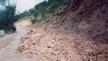 Frane, i geologi: 'Delocalizzare edifici e strutture esposte'