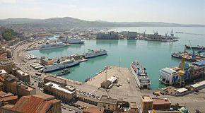 Ancona: da un'area inquinata nasce uno dei maggiori impianti fotovoltaici