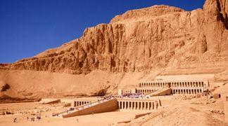 Le tombe egizie furono costruite su un terreno fragile, e rischiano di cedere