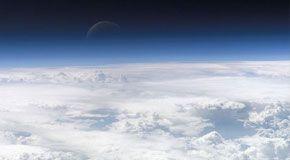 Come l'atmosfera può influire sulla rotazione e la forza gravitazionale