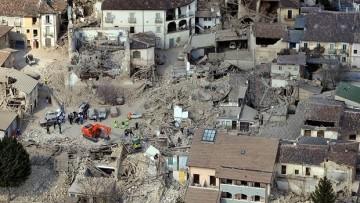 Paura a L'Aquila: si temono nuove forti scosse