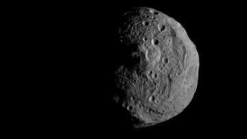 Vesta: dalla NASA le prime immagini