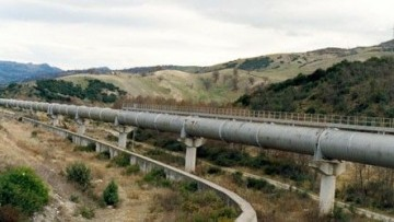Basilicata: l'acqua da bene diventa costo