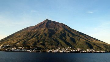 A Stromboli i 25 anni dell'European Seismological Commission Working Group on Volcano Seismology